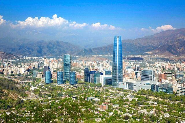 Santiago de Chile, ciudad donde se desarrollan servicios TSCM de Barrido Electronico